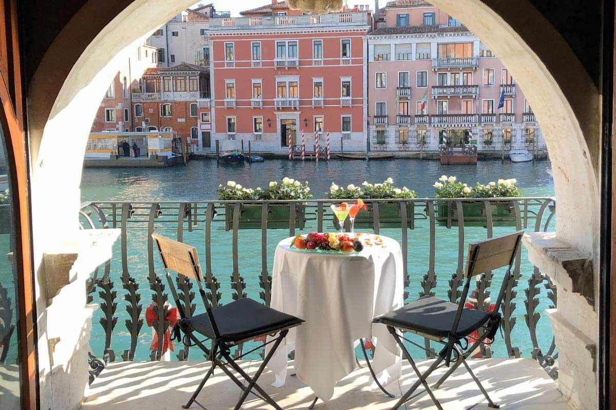 """La Bakarò Ambassador Nicoletta Cortiana vince la puntata di """"4 Hotel"""" a Venezia con il suo Hotel Palazzo Barbarigo"""